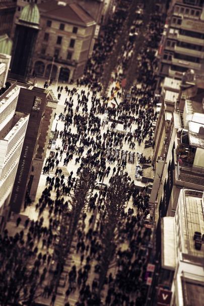 crowd-2865489_1920